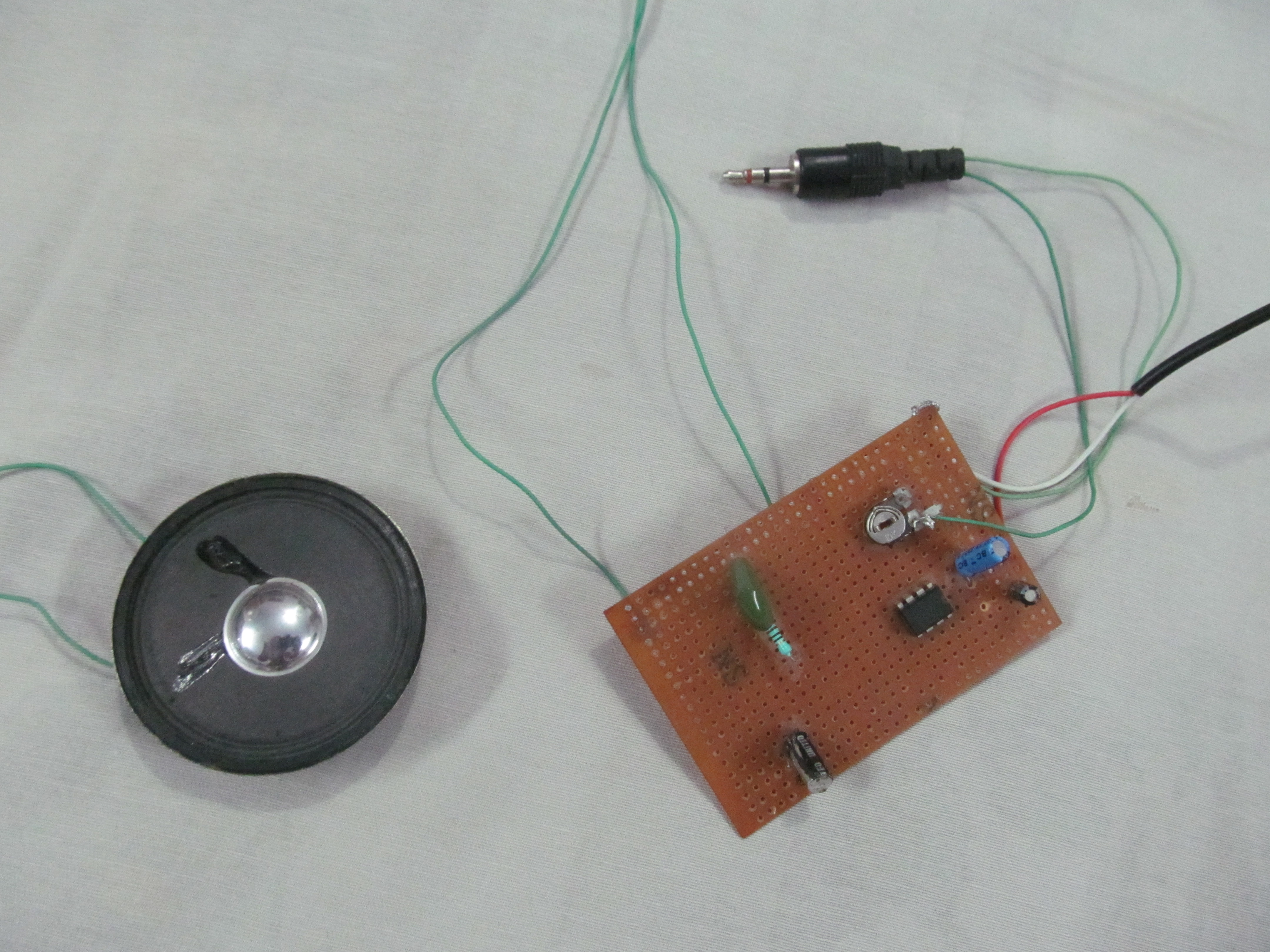 low frequency audio amplifier using the LM386