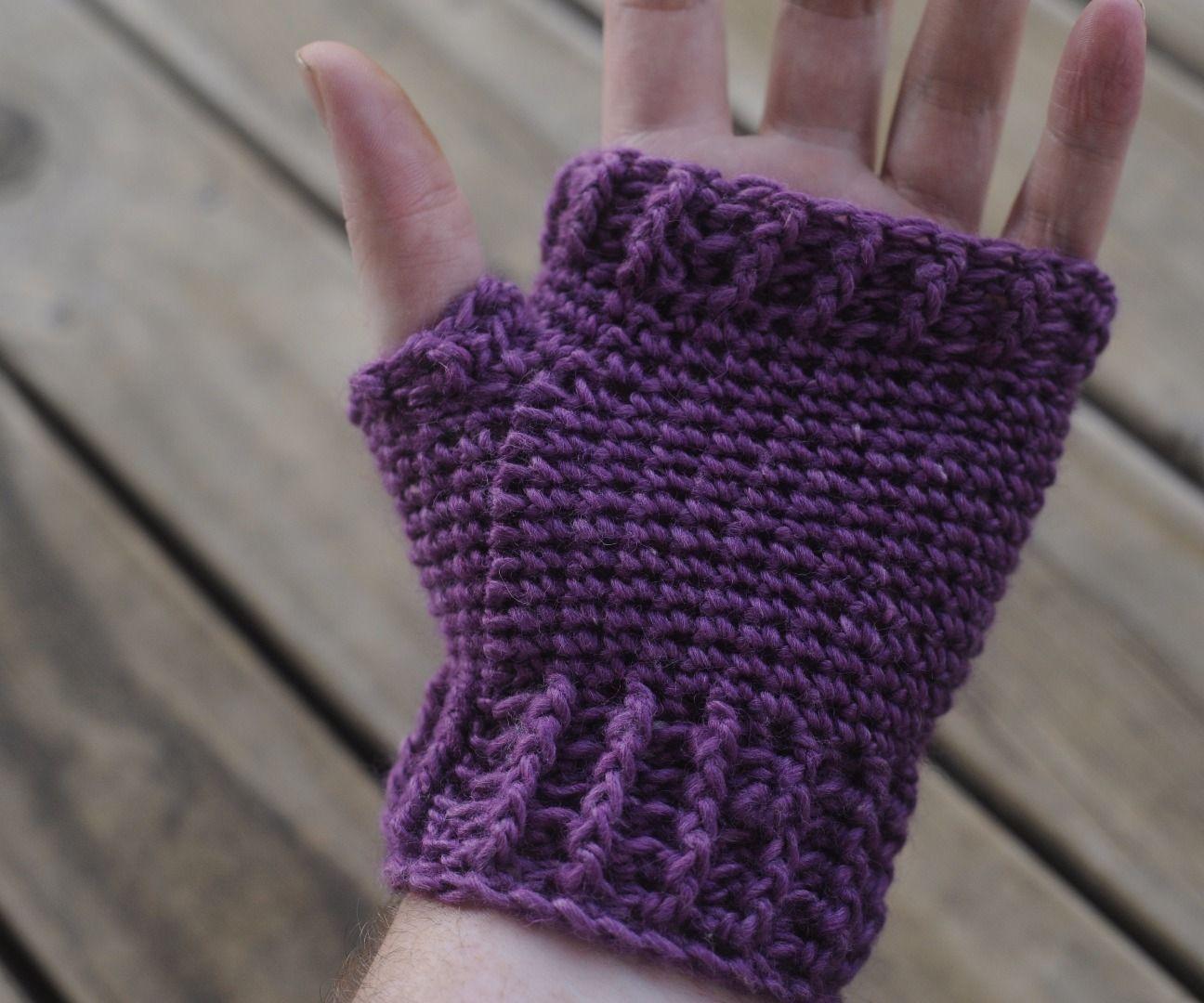 How to Crochet Adult Fingerless Mitts / Gloves