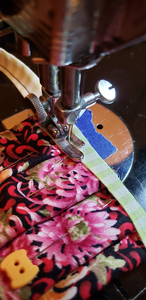 Create Mask Pleats & Add Ties