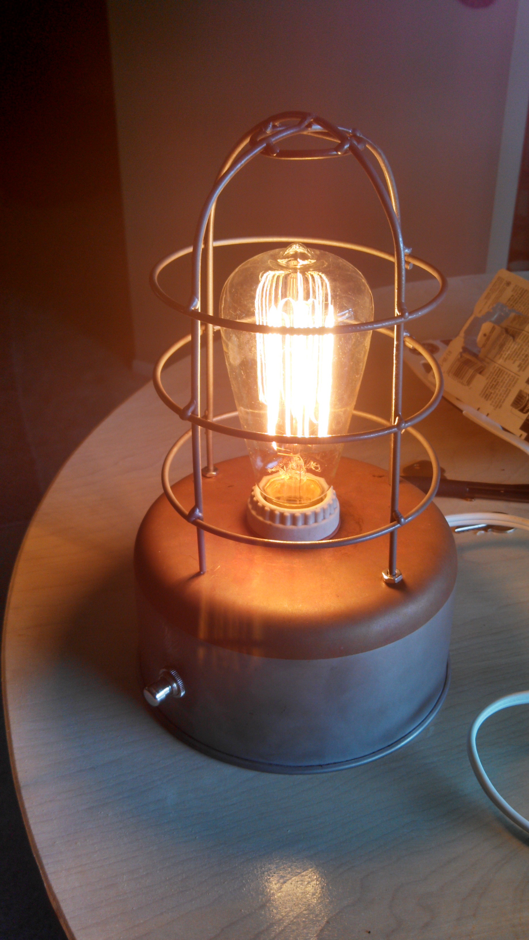 Elegant industrial style lamp made from old cooking pot. Up-cycle old pots and pans.