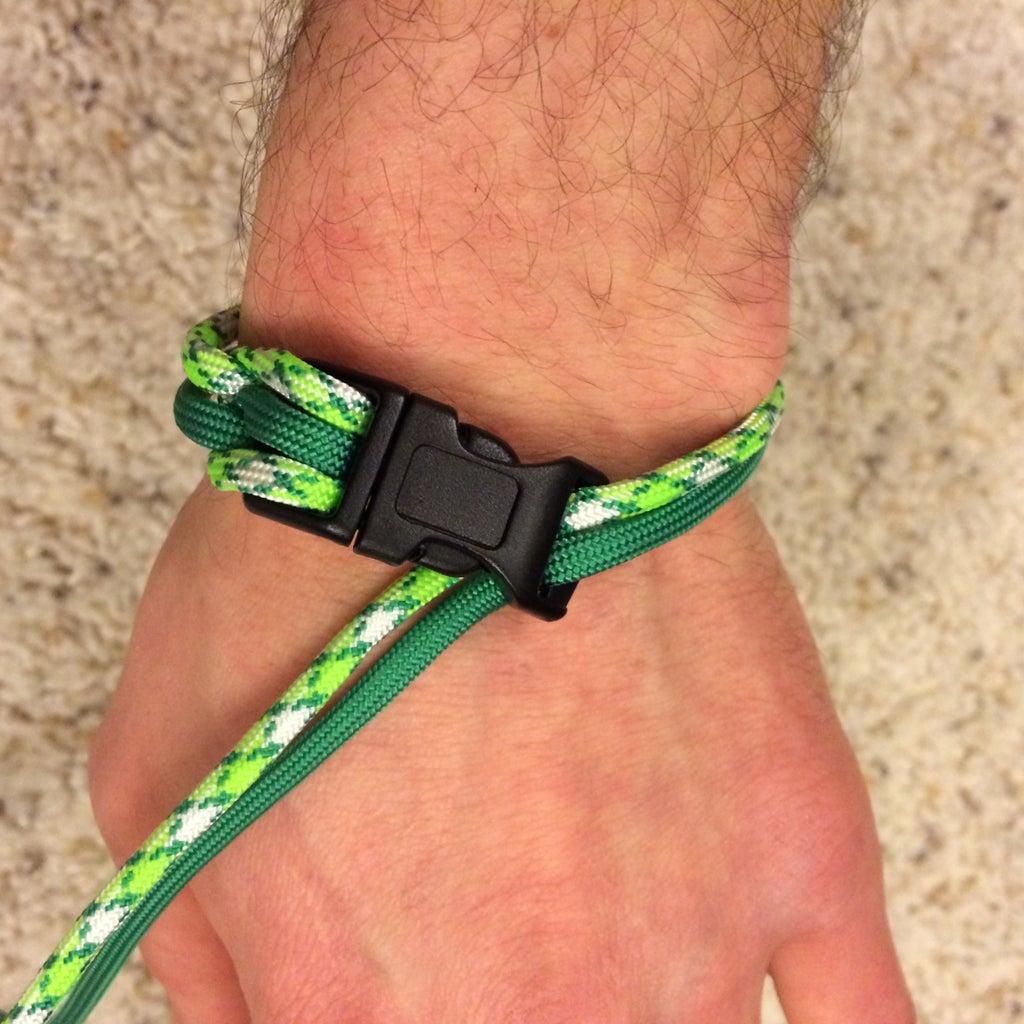 Make a Paracord Bracelet - Step 1