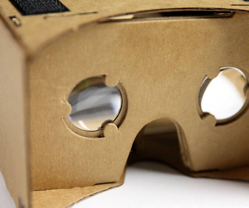 Make Your Own Virtual Reality Glasses