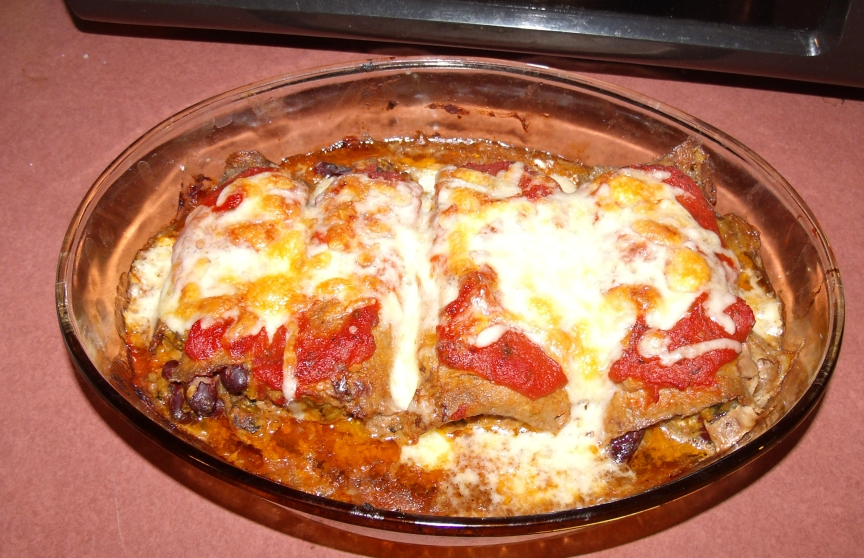 Rolled steak with tacoesh filling