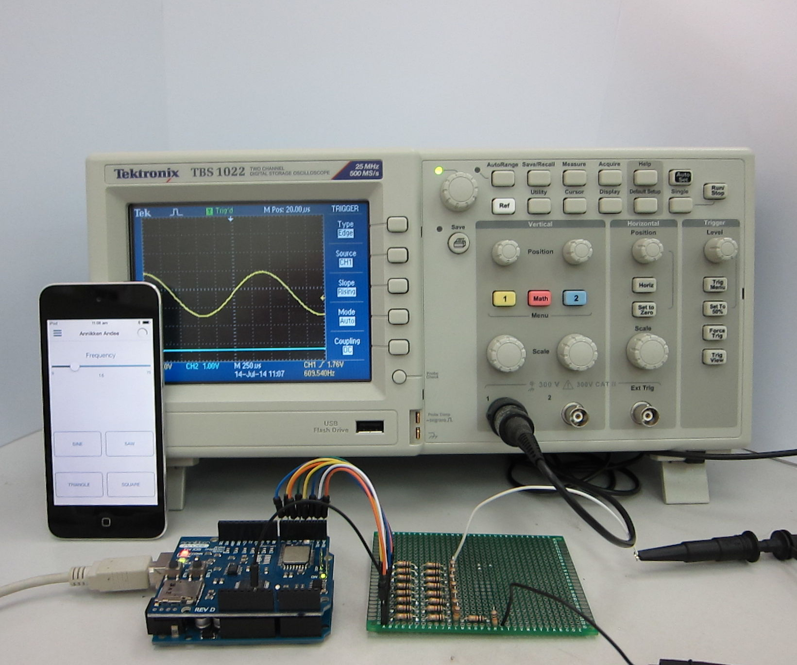 iOS-Controlled Arduino waveform generator