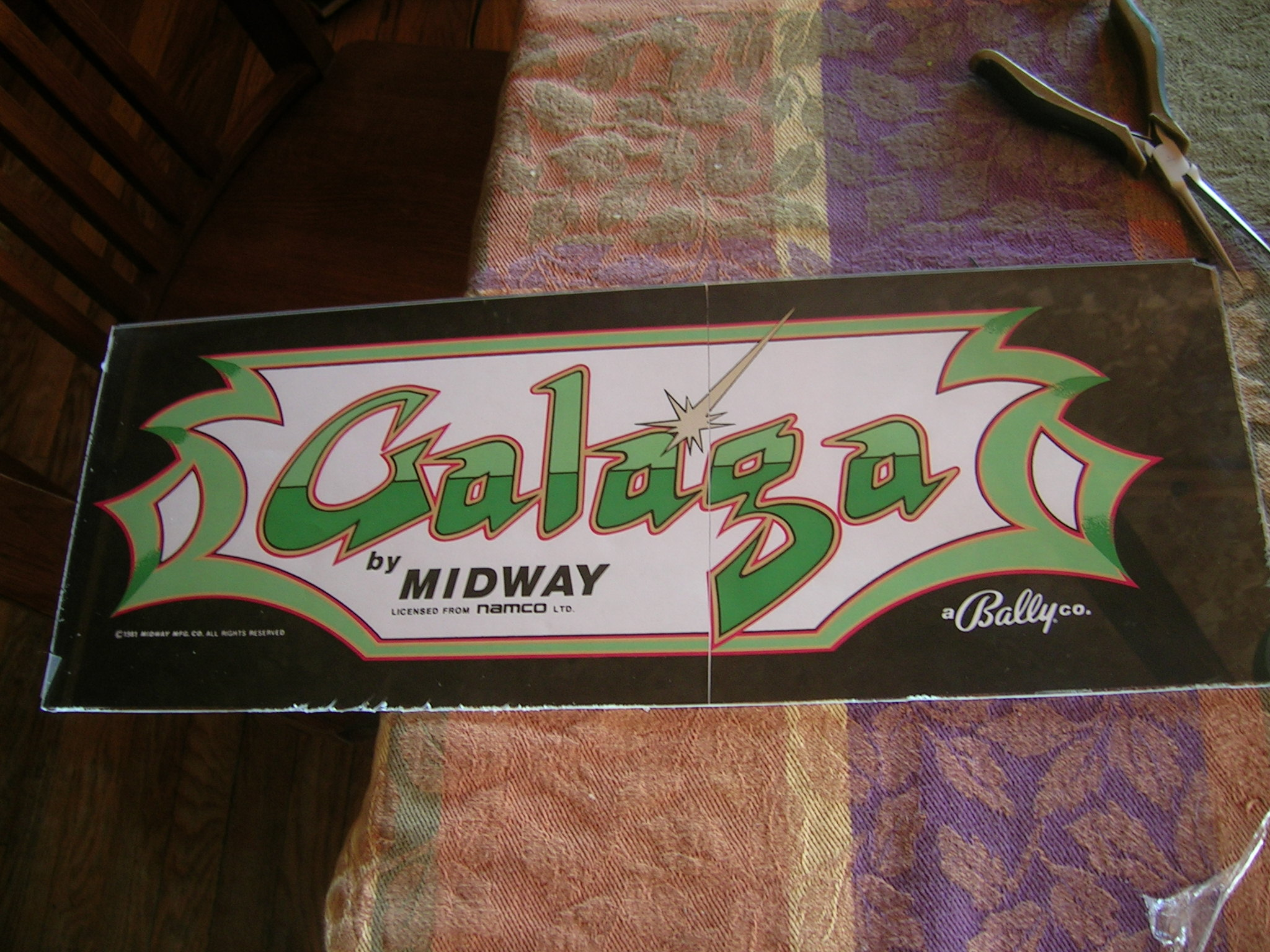 how to make a vintage arcade marquee