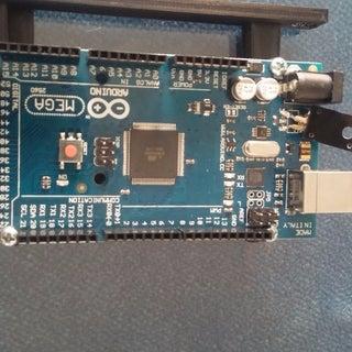 Fix an Arduino That Only Works Via USB (blown Regulator)
