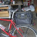 Quick release bicycle rear rack bag