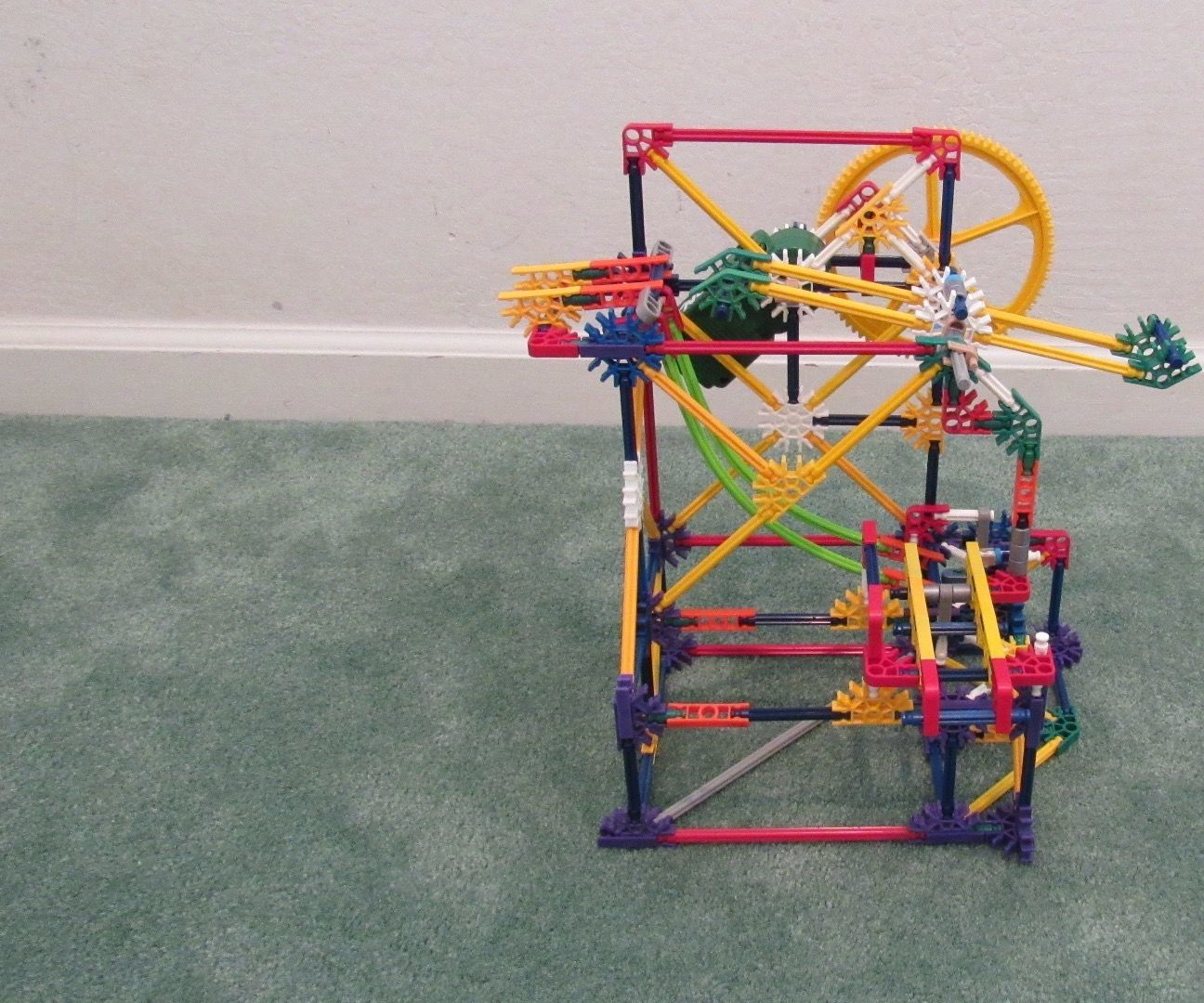 Spinning Push Lift: A K'nex Ball Machine Lift