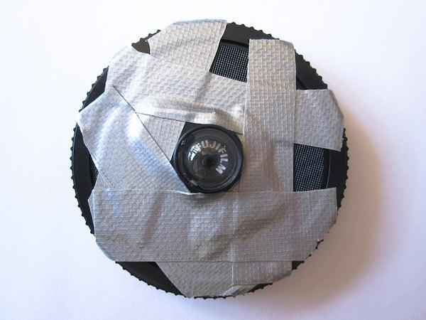 Fixed-focus Toy Macro Lens for DSLRs