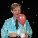 Science Experiment: Inflate a Balloon with Vinegar & Baking Soda