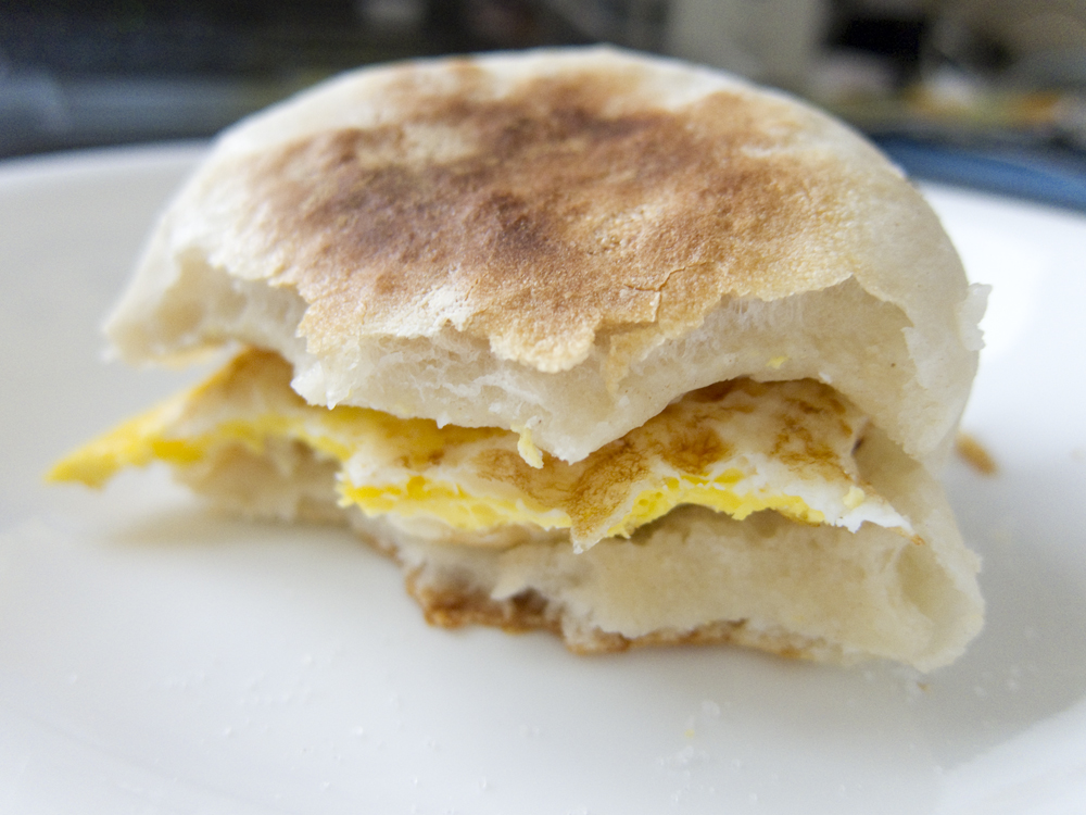 [Collegiate Meals] No-Knead English Muffins