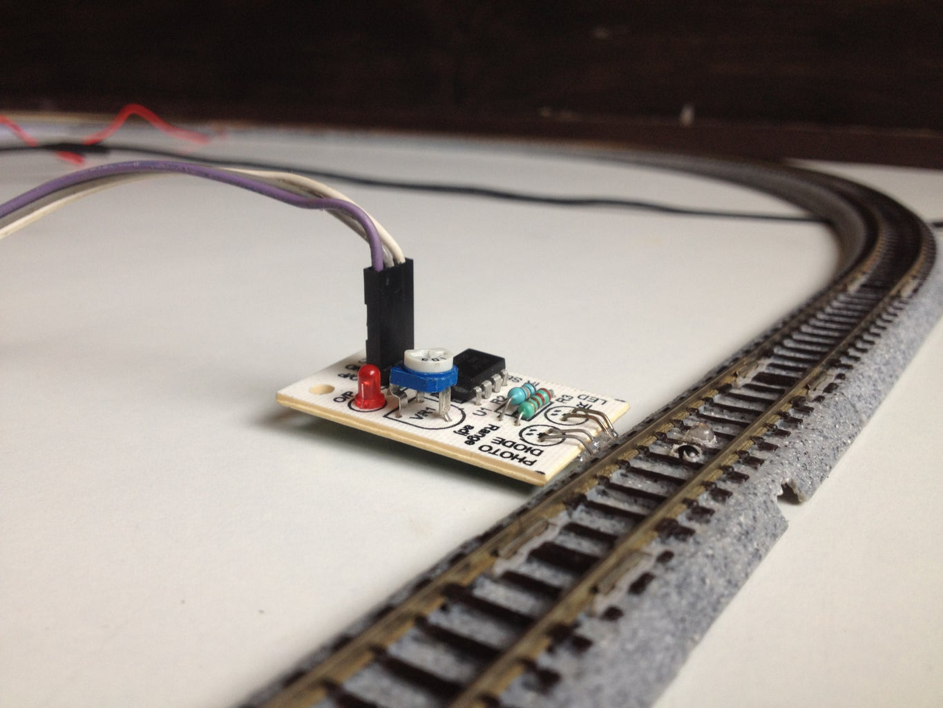 Connect the 'sensored' Tracks to the Shield