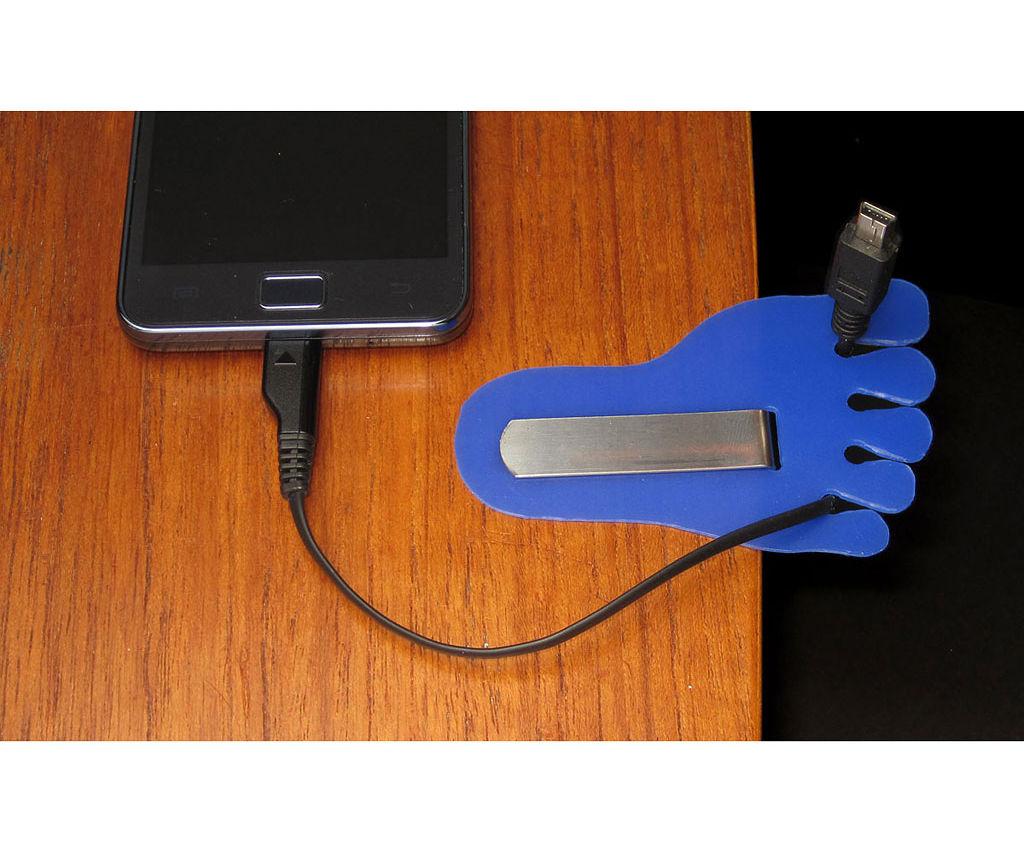Cable Holder for Desktop
