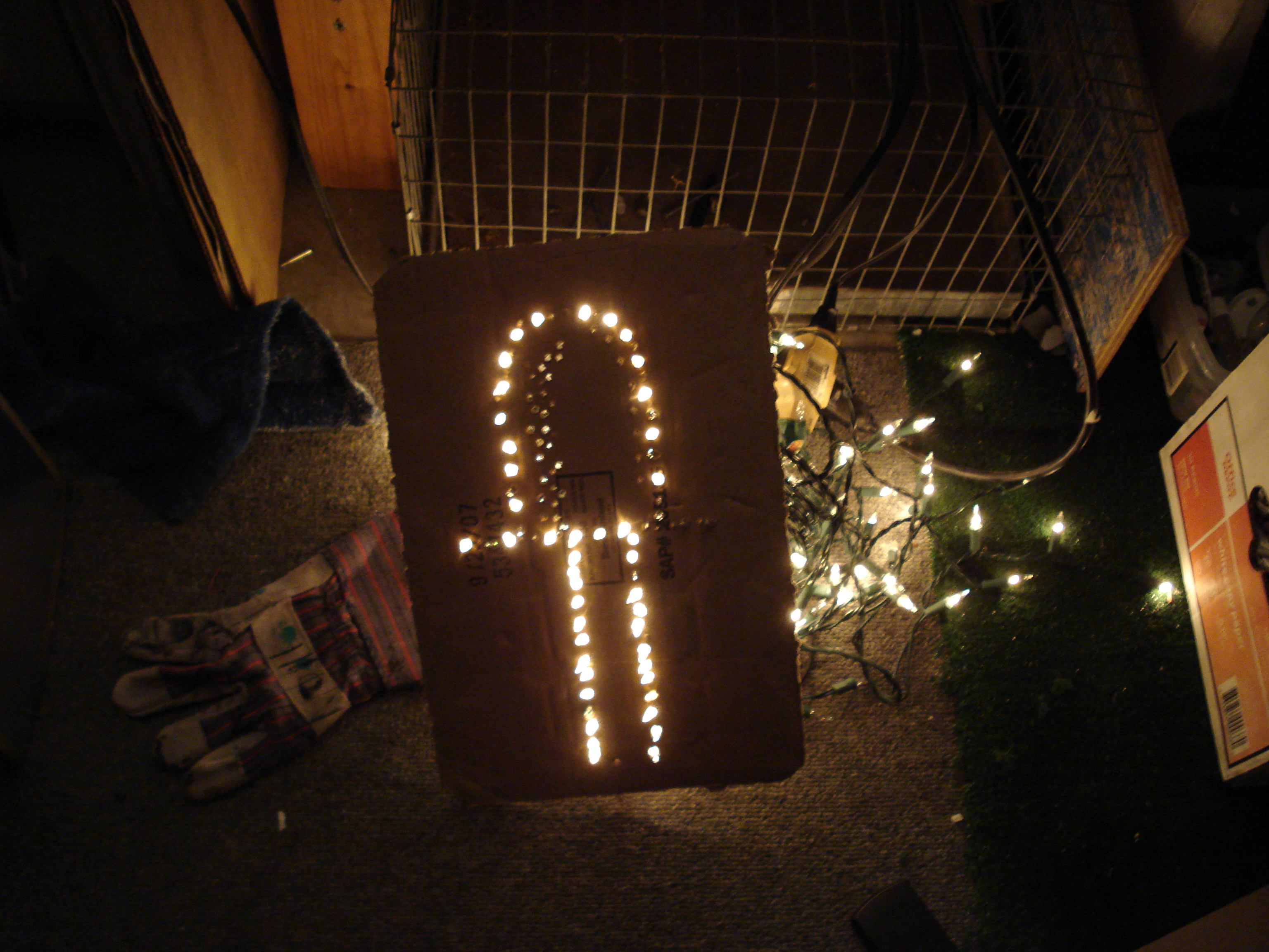 Jerry-rig Your Old Christmas Lights Into a Led Board