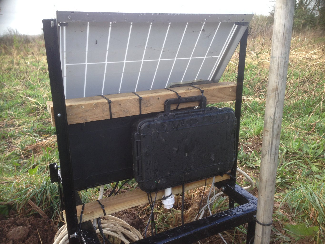 Mounting the Solar Panel