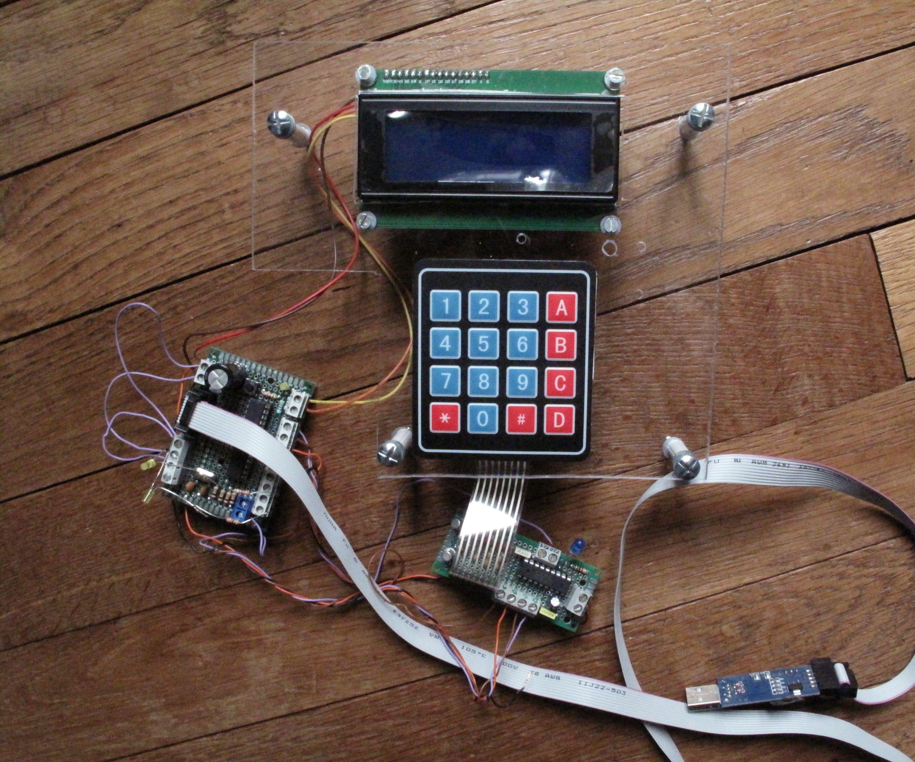 Example of Locker With Arduino Matrix Keypad 4x4