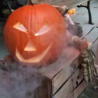Jack-o'-Lantern With Fog (No Dry Ice)