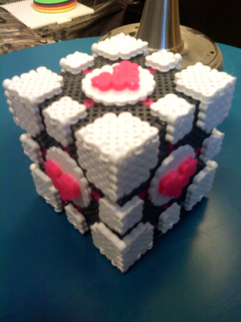 Glue to Heart Circles to the Cube.