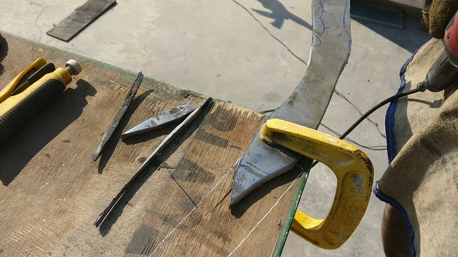 Cutting the Knife Shape