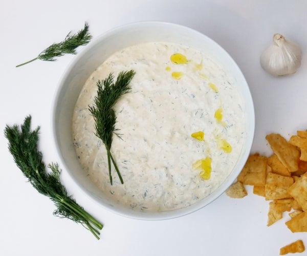 Spicy Tzatziki (Greek Yogurt / Yoghurt Sauce)