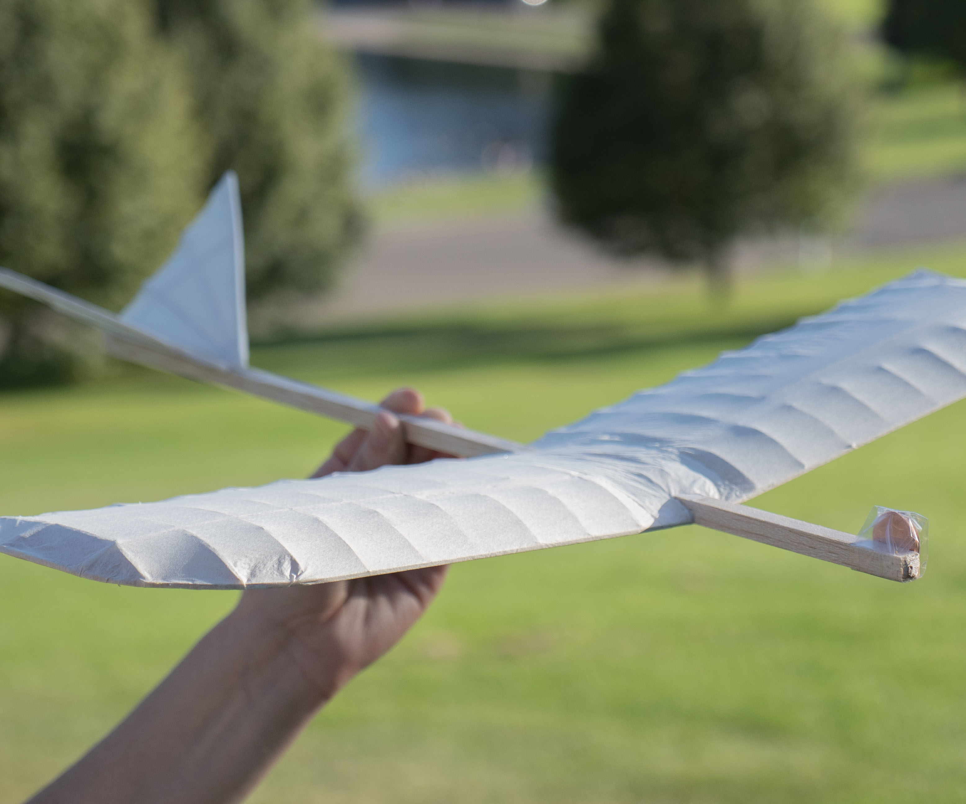 How to Build a Da Vinci Inspired Flying Machine (Glider) With Simple Supplies