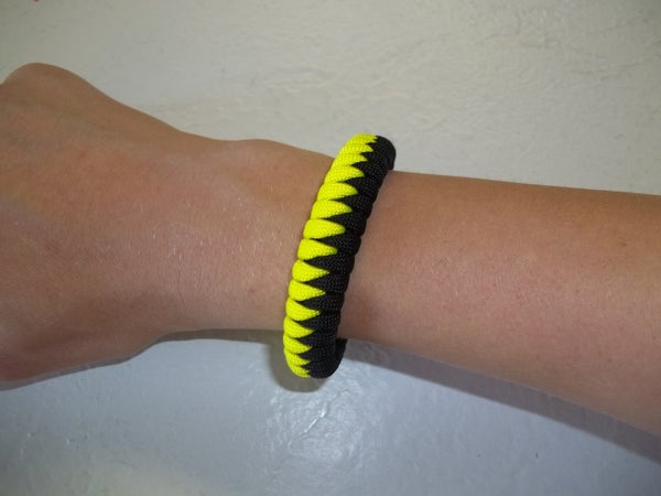 The (New) Sawtooth Paracord Bracelet Weave