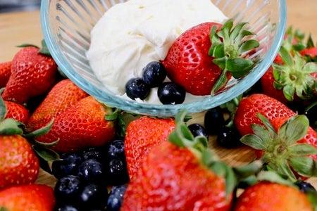 Cream Cheese Marshmallow Fruit Dip