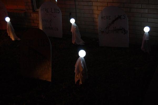 Light Up Ghosts