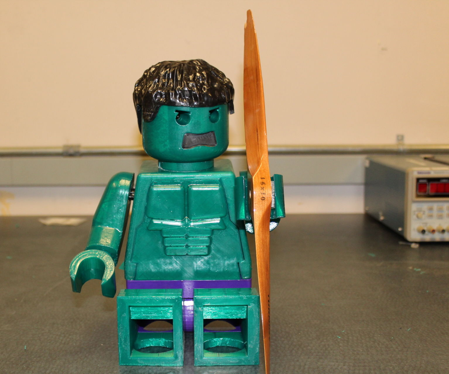 Giant Hulk MiniFig (10:1 Scale) With a Twist