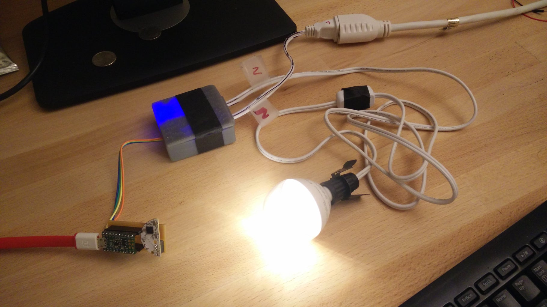 Controlling Any Light With Philips HUE (and a AC Mains Dimmer)