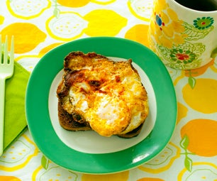 How To:  Fried Eggs on Fried Toast