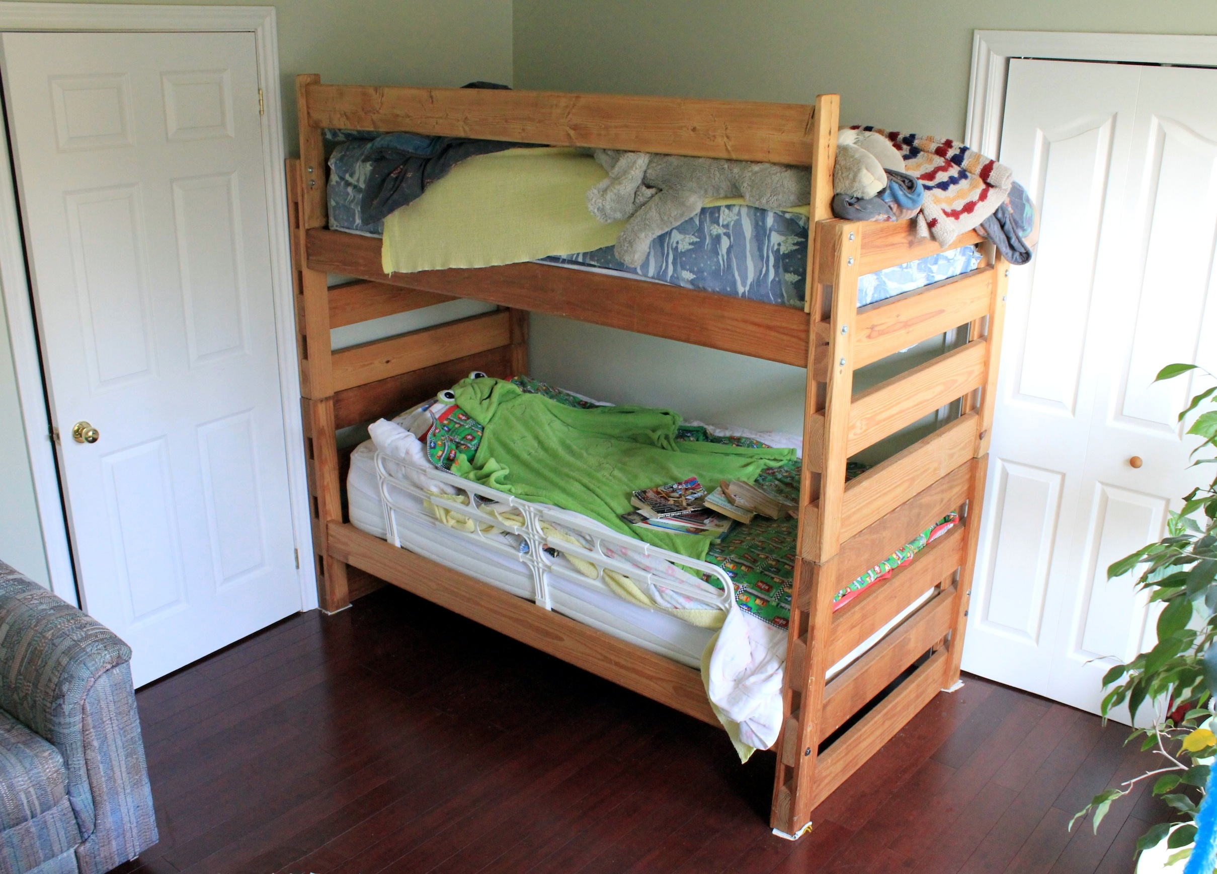 Picture of: Easy Modular Pine Bunkbeds 9 Steps With Pictures Instructables