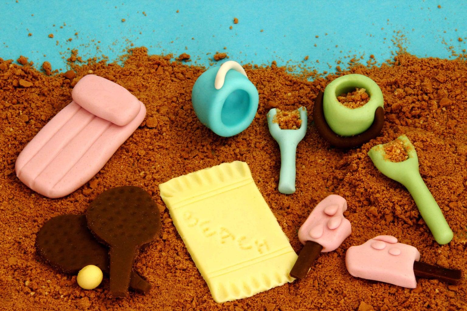 How to Create Mini Edible Beach for Cake Decorating