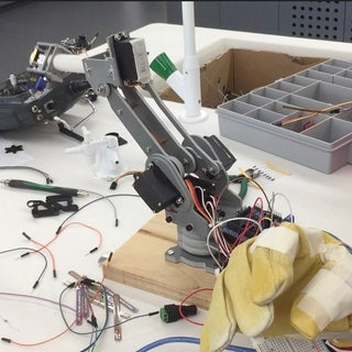 Robotic Arm Controlled by Glove