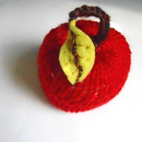 How to Knit an Apple with a Knitting Machine