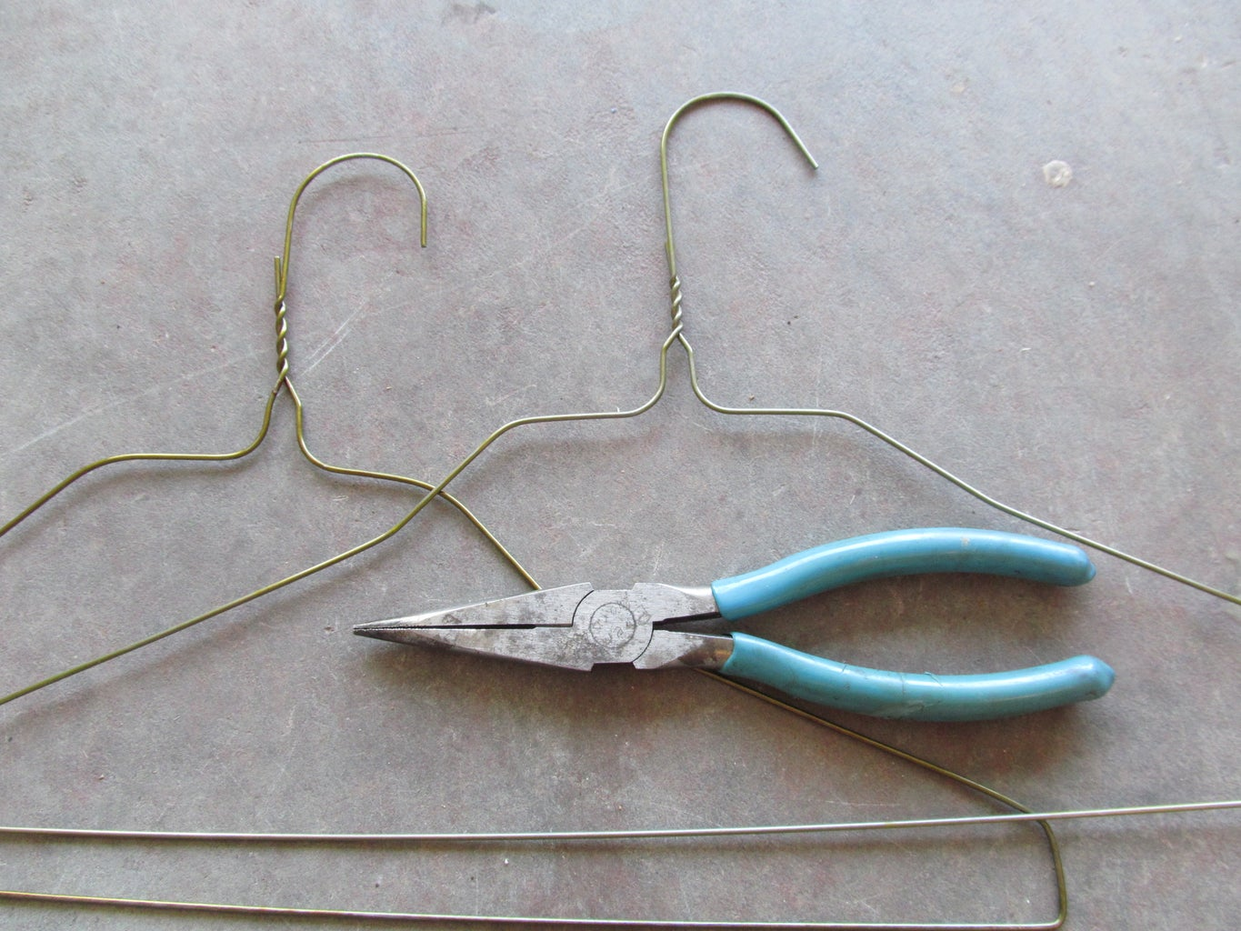 Another Way to Use a Coat Hanger.
