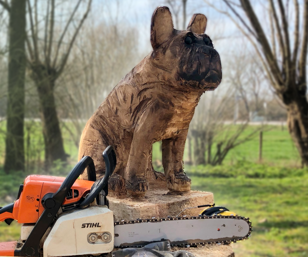Woodcarving With Chainsaw - DOG
