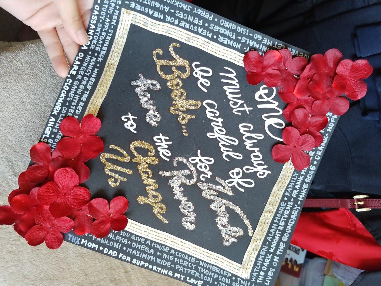 How to DIY Your Graduation Cap