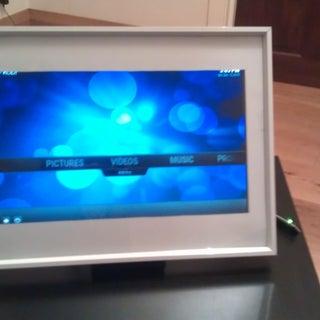 How to Make a Raspberry Pi Media Panel (fka Digital Photo Frame)