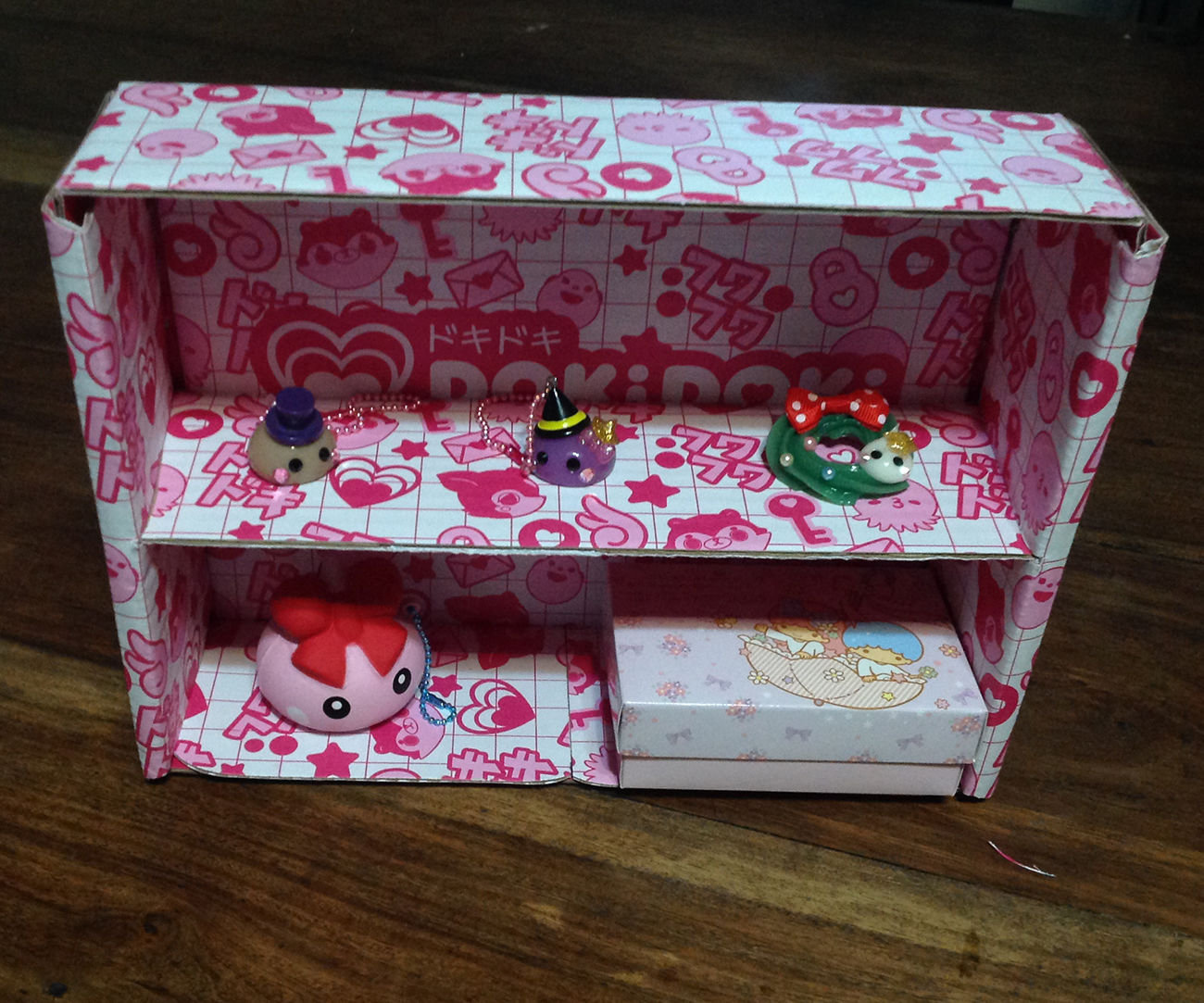Cute Cardboard Shelf Made From Recycled Crate Box