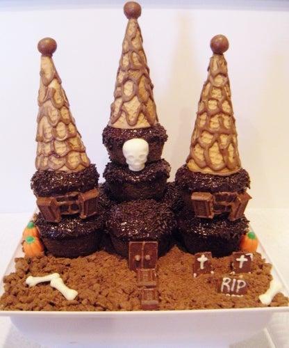Haunted Cupcake House!