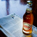 How to open a beer bottle with a newspaper