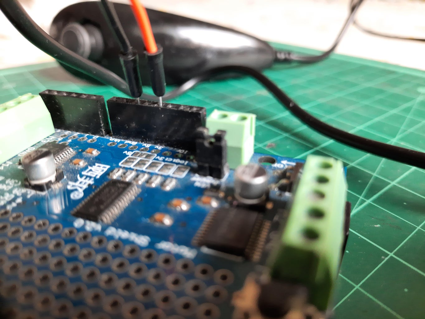 Connect the Wii Nunchuk to the Arduino Board