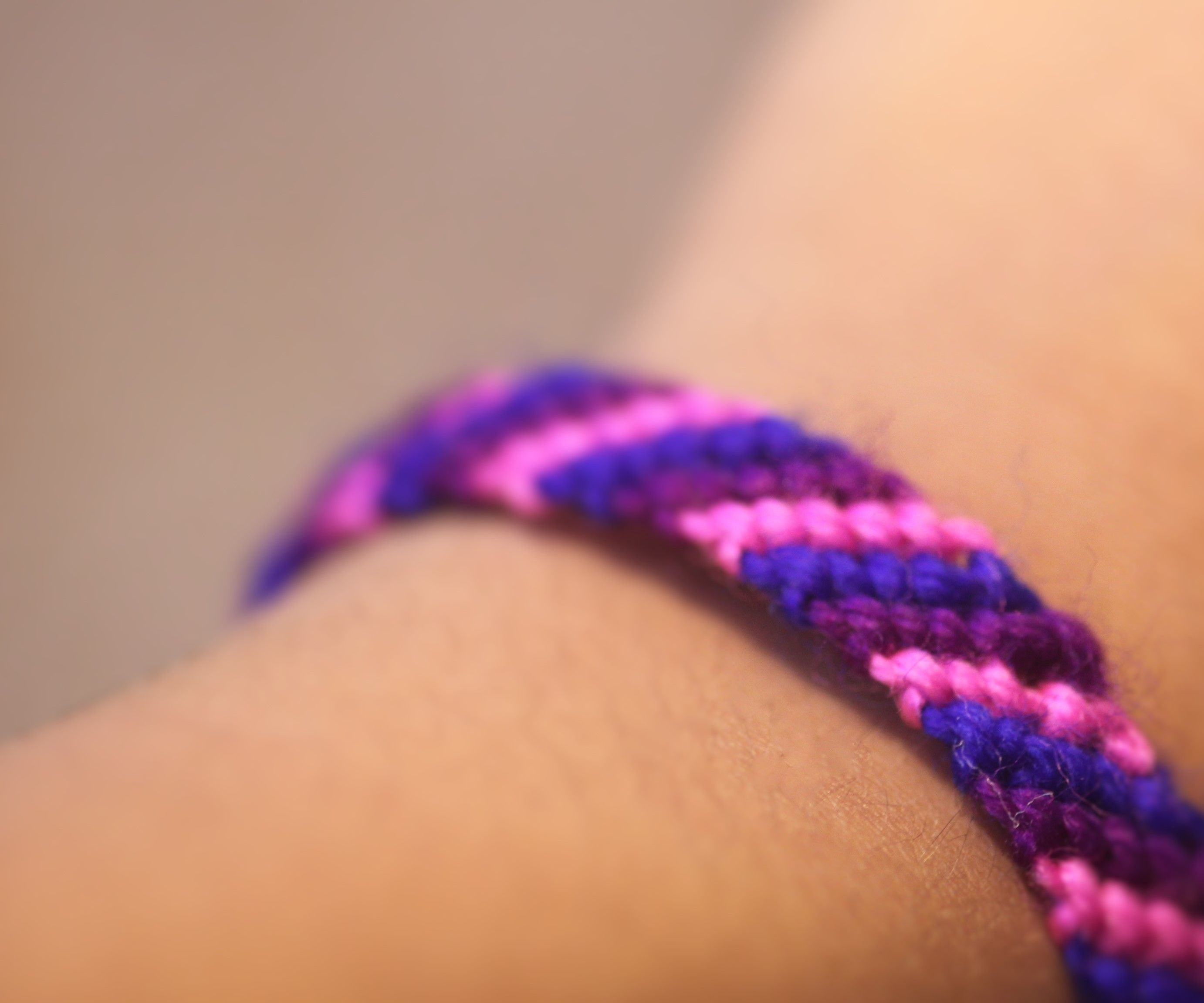 How to make Bracelets Using Yarn