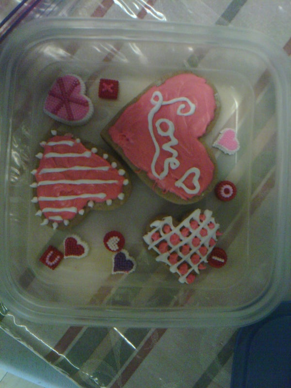 Simple Cookie Icing for the Not So Skilled Baker