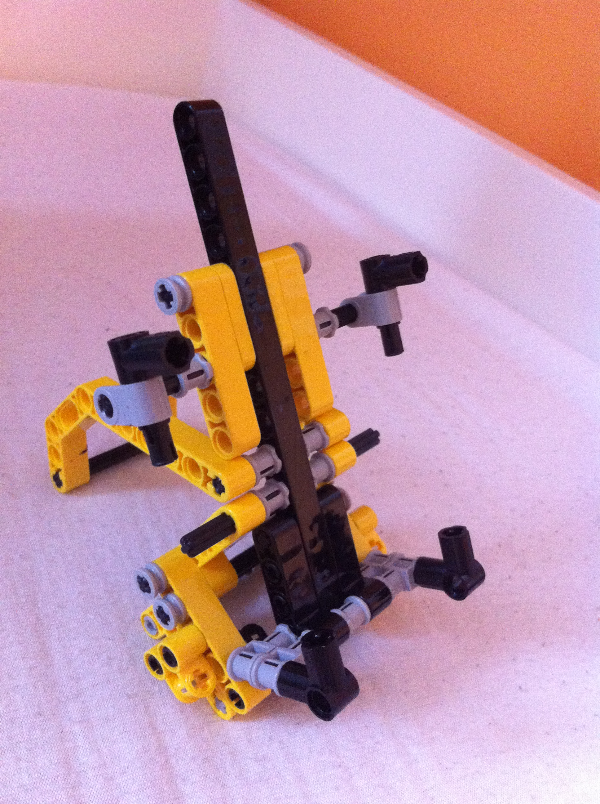 Lego iPhone (and smartphone) stand, docking available *UPDATED*