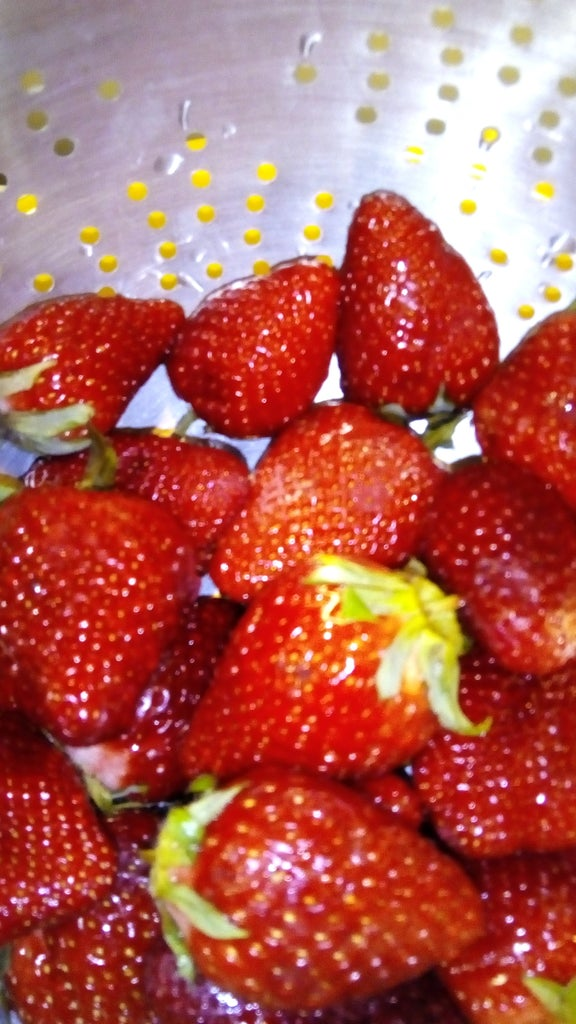 Homemade Strawberries Pie