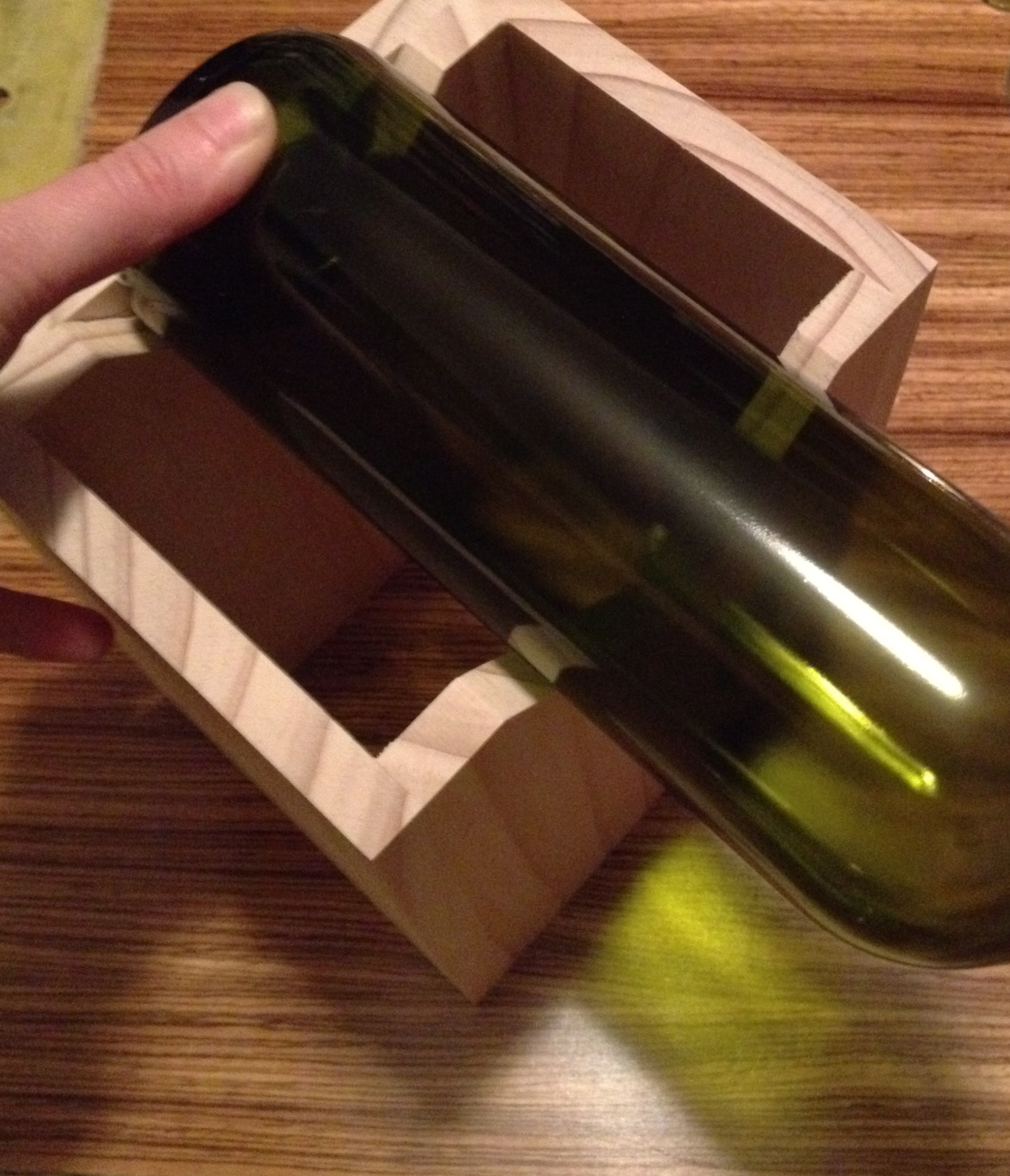 Want to cut wine bottles?  Build this jig!