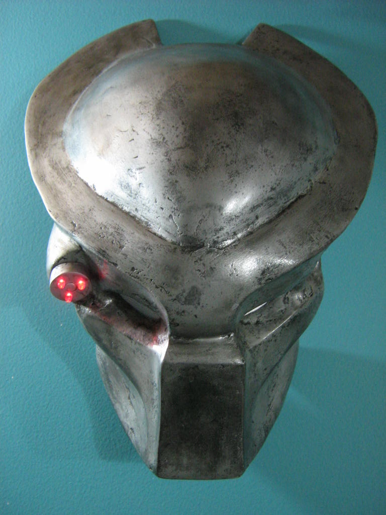 Predator's helmet (made with synthetic resin and fiberglass)