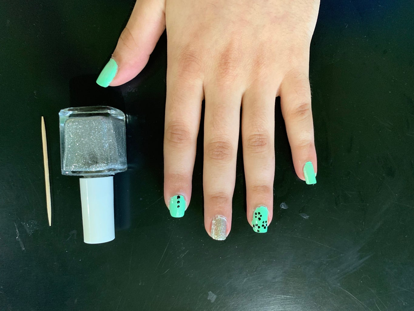 Creating the Glitter Tips